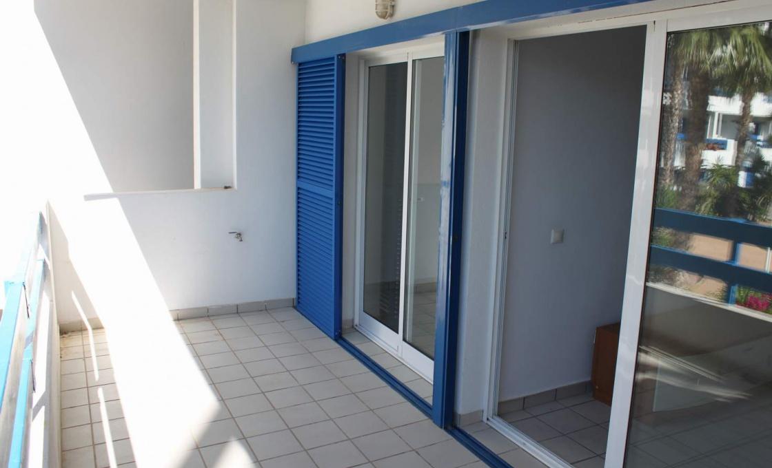 Chambres appartement vendre calle nunilon salles de bain for Salle de bain espagnol